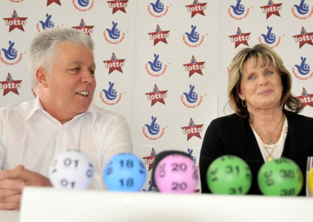 uk lottery winners robert and denise scarr
