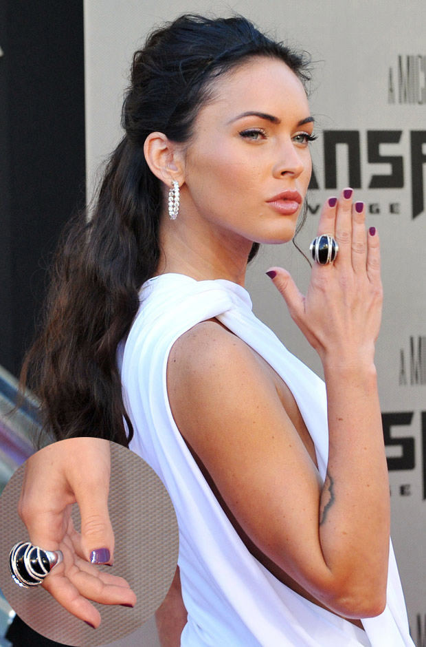 Megan Fox Hands And Feet Images & Pictures - Becuo Megan Fox